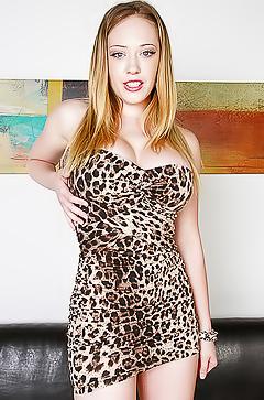 Free porn with Kagney Linn Karter