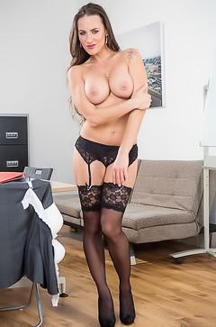 Sexy secretary Mea Melone