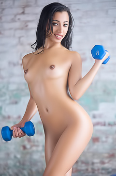 Lexi Storm - naked workout