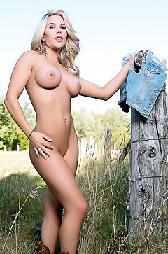 Playboy Kellie Smith - naked in the field