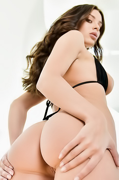 Hot brunette with sexy ass