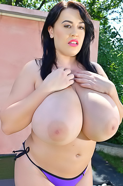 Leanne Crow - boobs fetish