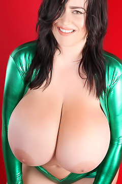 Leanne Crow and her huge boobs