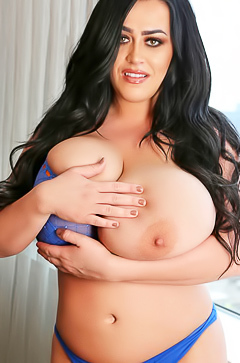Giant boobs of Leanne Crow