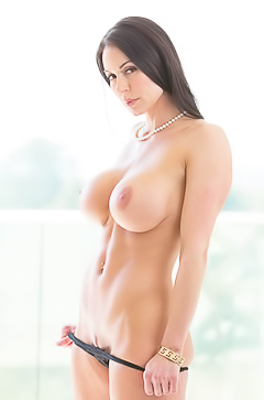 Kendra Lust - mommy boobs