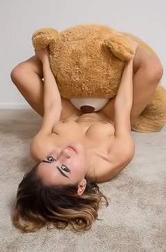 Teen Girl With Big Boobs Mia Valentine Likes Bears