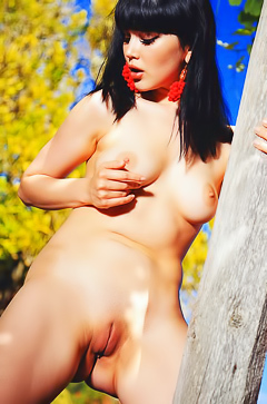 Malena A little naked fun in the local park makes her happy