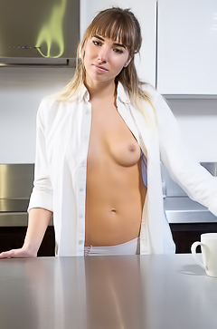 Amateur Inga F Getting Naked In Kitchen
