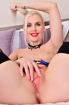 Amazing blonde babe Lexi Lou spreads pussy and smiles