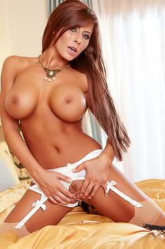 Madison Ivy In Erotic Lingerie